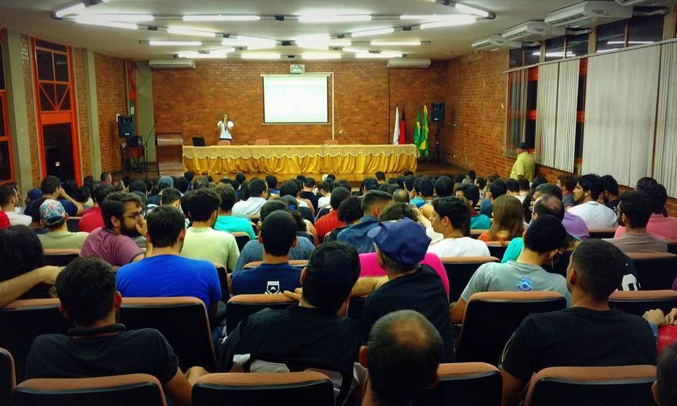 Exibição do filme 'O Jardim das Aflições' sobre Olavo de Carvalho foi um sucesso de público na UFCG