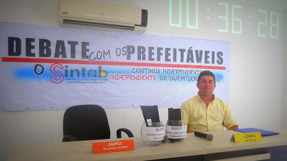Arregou. Candidato a prefeito de Montadas, Jairo Herculano (PSB), faltou ao debate realizado pelo SINTAB