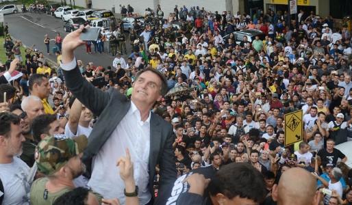 IstoÉ descobre na prática: quanto mais se critica Bolsonaro, mais o povo o apoia!