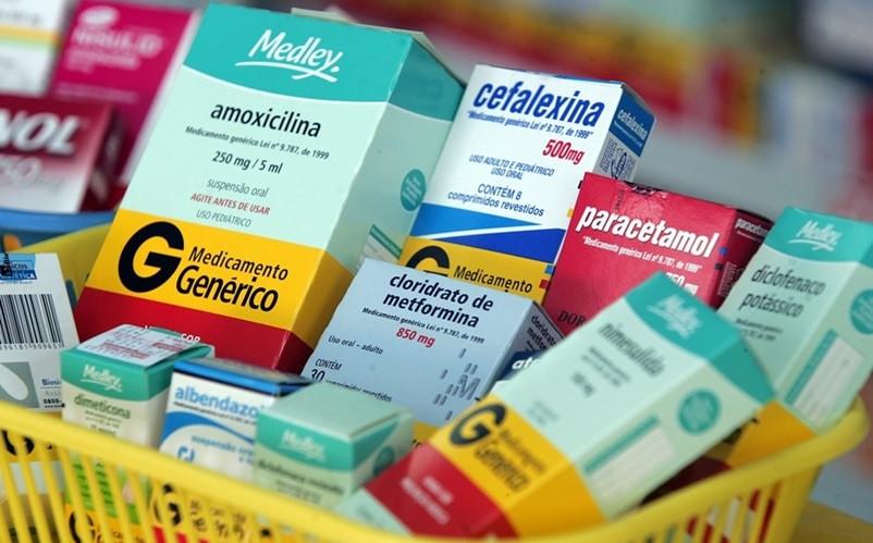 Remédios no Brasil: a carga tributária faz você pagar 3 e levar 2