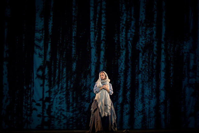 La Contesse dans Les Feluettes, Edmonton Opera