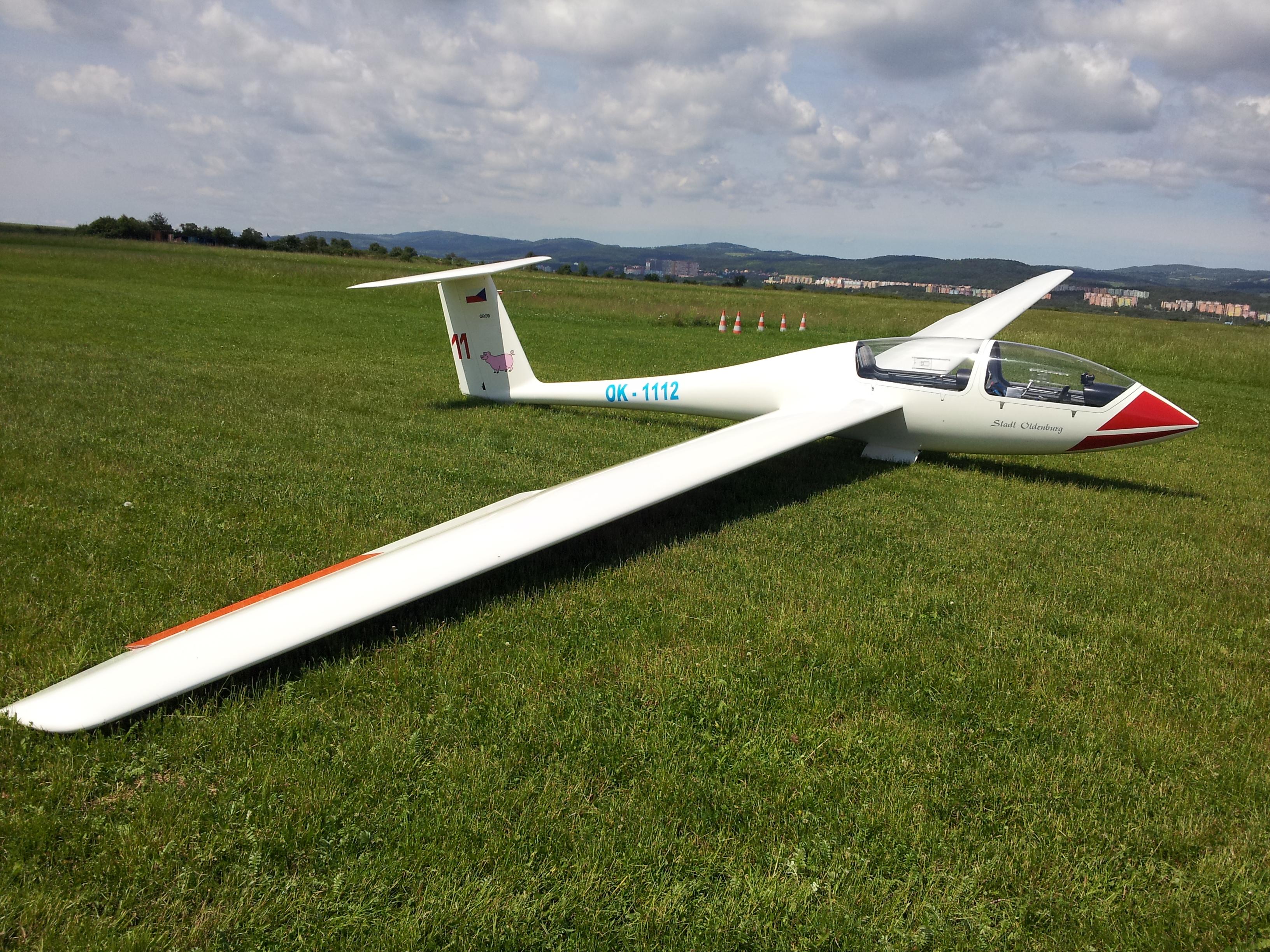 G-103_Twin_Astir,_dnes_již_létá_ve_Skotsku