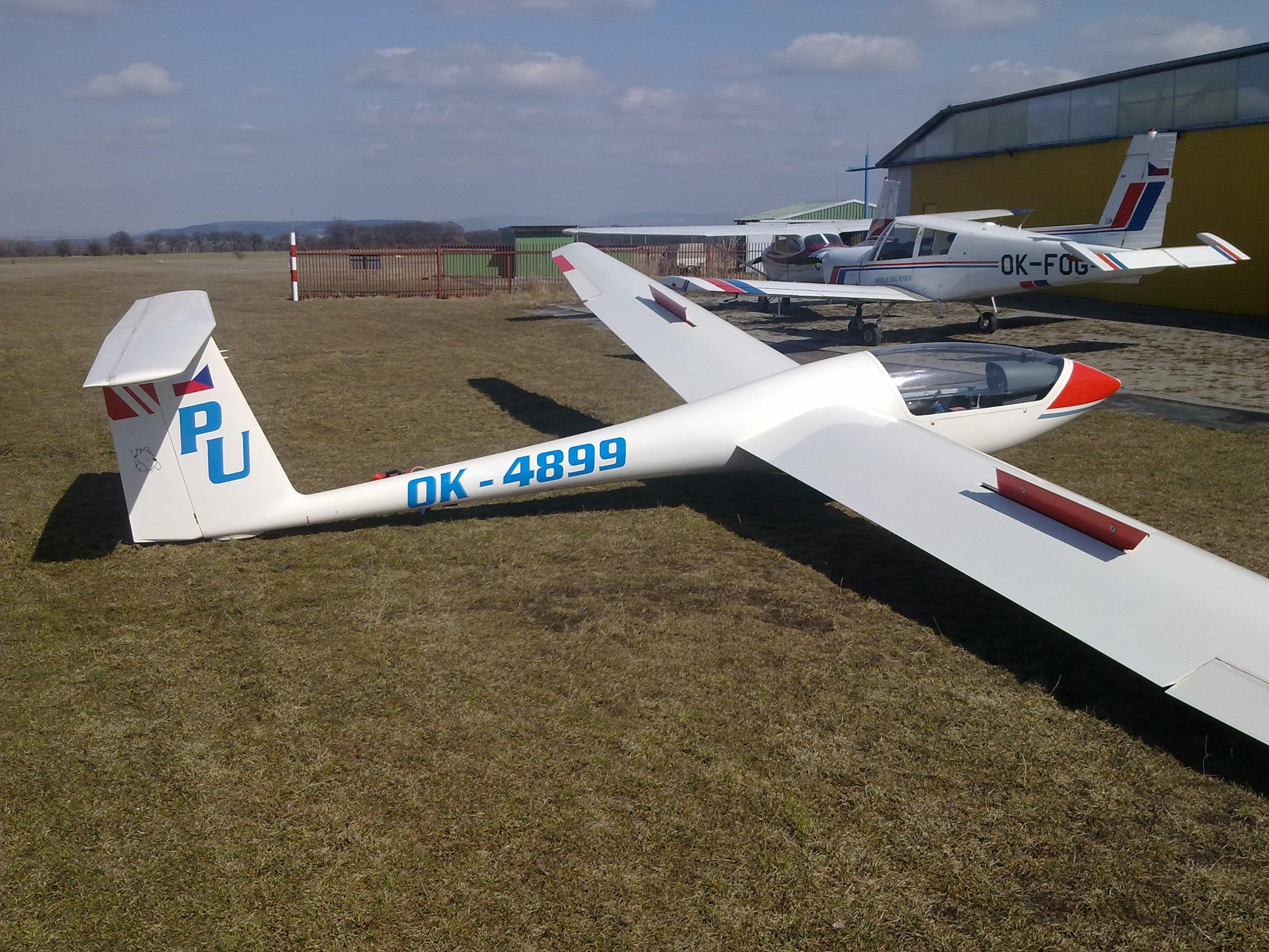 G-102 Astir cs 77