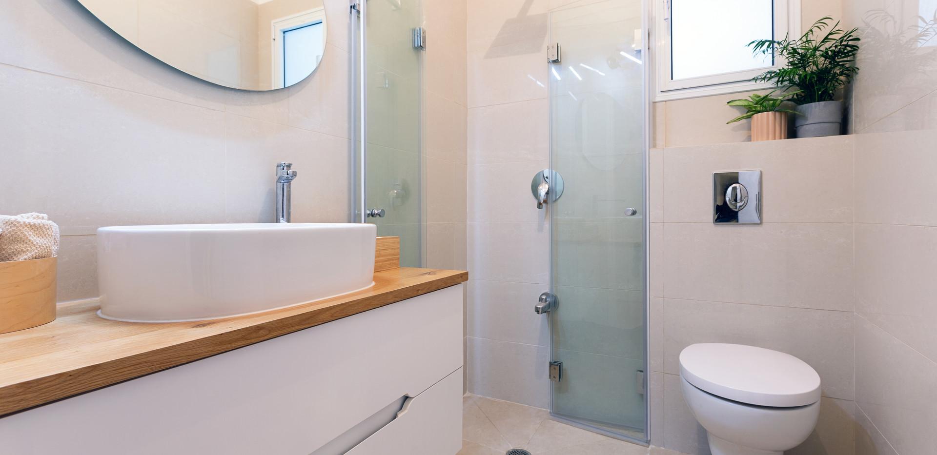 נען - חדר מקלחת