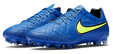 blue nike soccer shoes.png