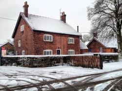 FARM HOUSES SNOW