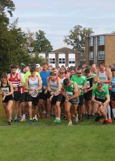 2018 East Grinstead 10k start.jpg