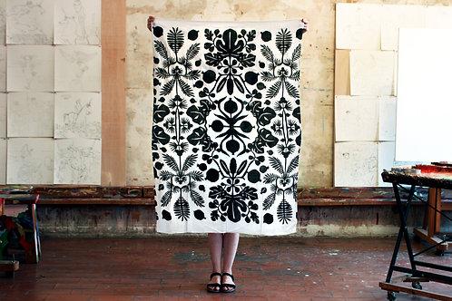 Organic Cotton Sarong - Black & White Flowers