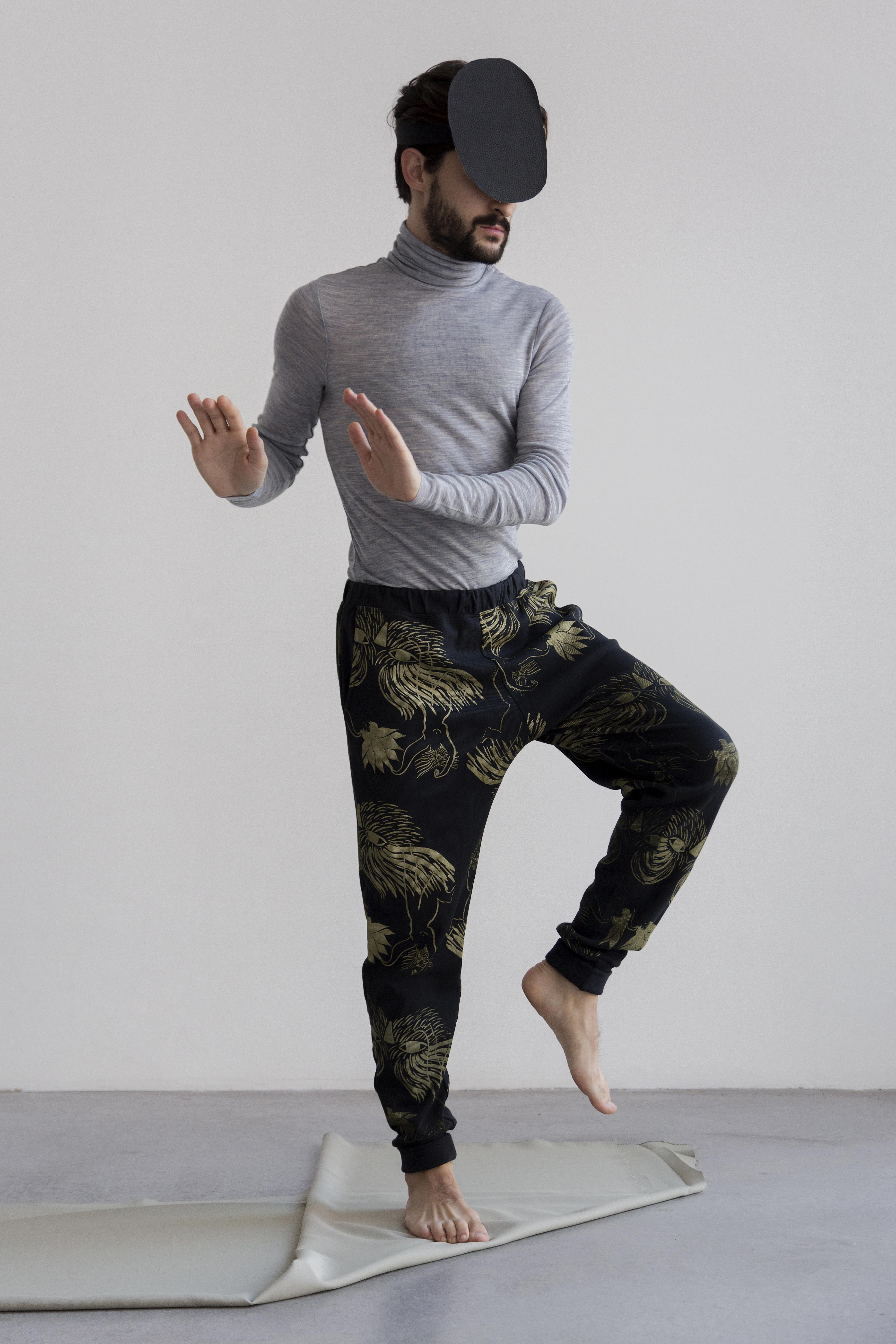 Dancer print on anthracite Jogging