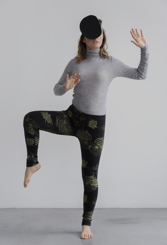 Dancer print on anthracite Leggings