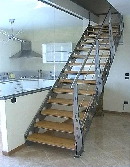 scale con acciaio e legno