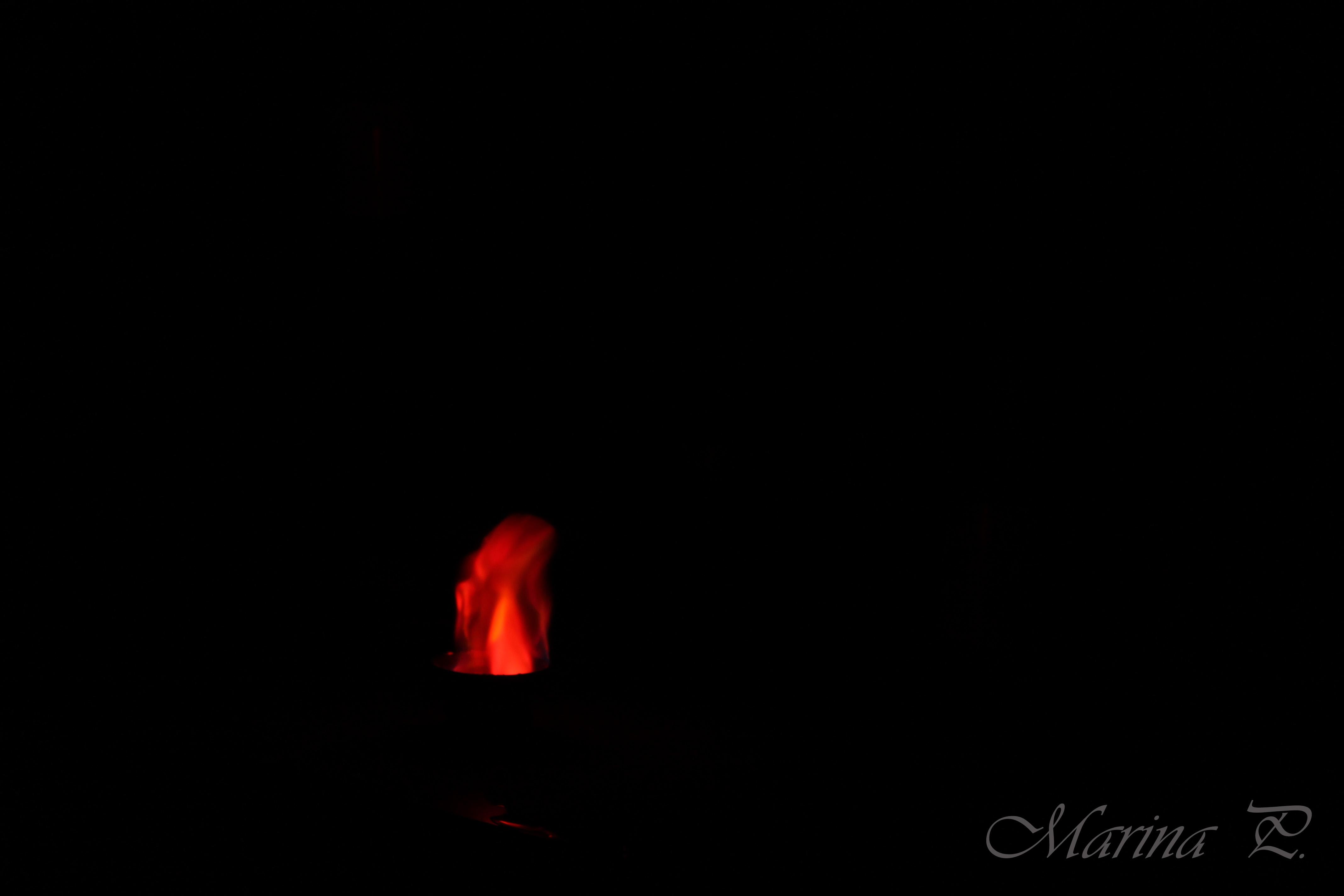 Fuego rosado-rojo