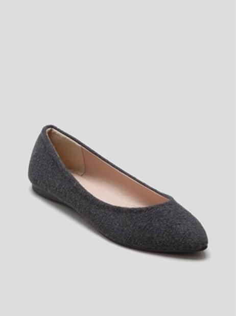 Flat Court Shoe in Grey