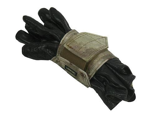 m.o.l.l.e mount gloves atacs au 2