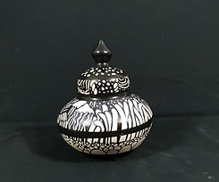 urns 2.jpg
