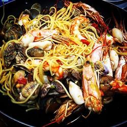 Classic_ Seafood spaghetti