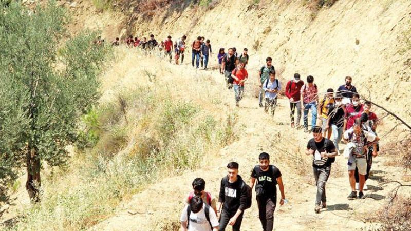 Türkiye'ye Afgan mülteci akını dünya gündeminde