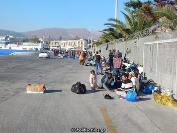 Türkiye'den geçişler hız kazanınca Yunanistan'ın Sakız Adasılimanı yeniden mülteci kampına