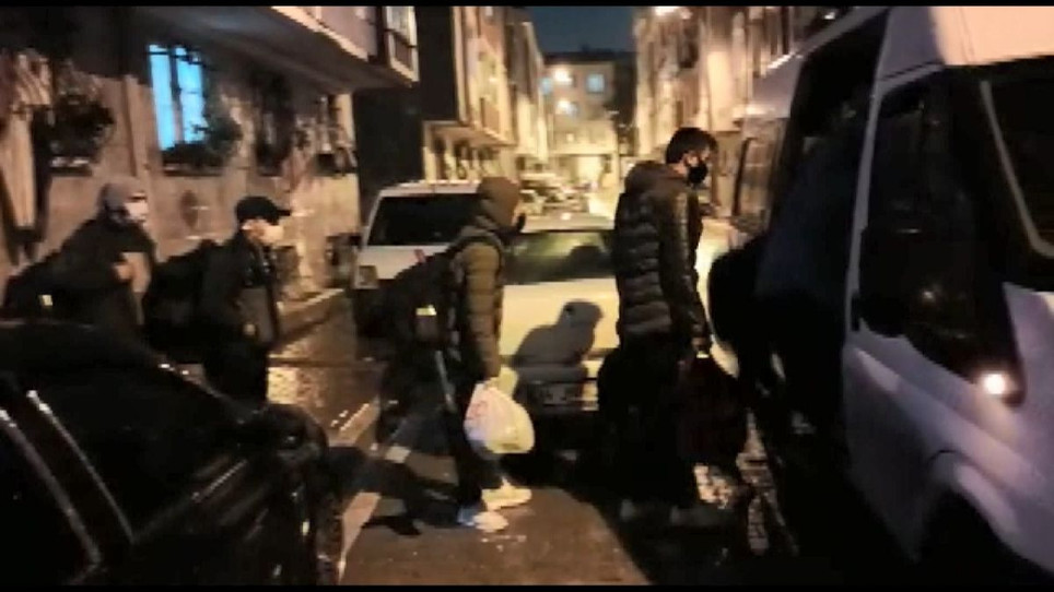 Esenyurt'ta rehin tutulan 14 Afgan mülteci kurtarıldı