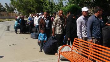 Bayram için ülkesine giden 6 bin 715 Suriyeli mülteci Türkiye'ye dönmedi