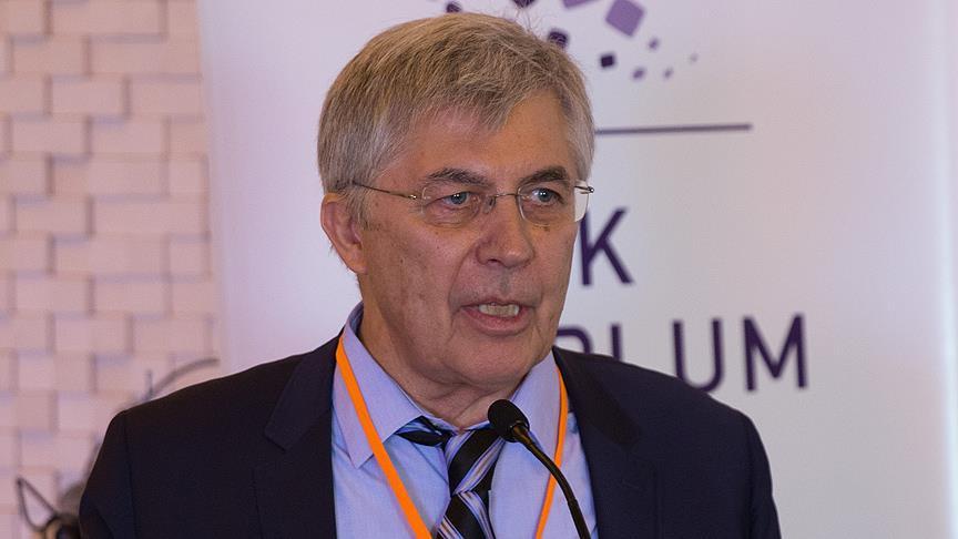 İltica ve Göç Araştırmaları Merkezi (İGAM) Başkanı Metin Çorabatır