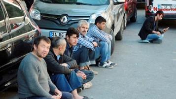 Mülteci işçiler: Korkumuzdan işçi pazarında bile bekleyemiyoruz