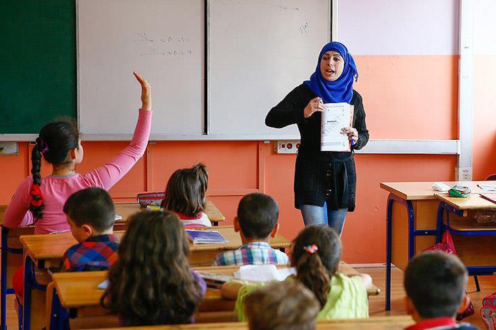 Syrian refugee children in a Turkish government-run school