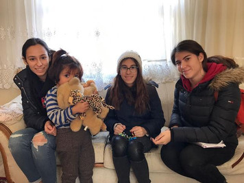 Koç Lisesi öğrencilerden Suriyeli mülteci aileler için yardım kampanyası
