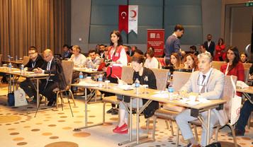 Kızılay Adana'da mülteci çalıştayı düzenledi
