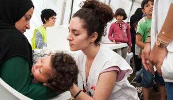 """Sınır Tanımayan Doktorlar Yunan Adalarındaki mültecilerin durumuna dair açıklama yaptı: """"İnsani"""