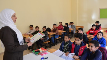 Kuwaitis to build 30 schools in Turkey for Syrian refugees