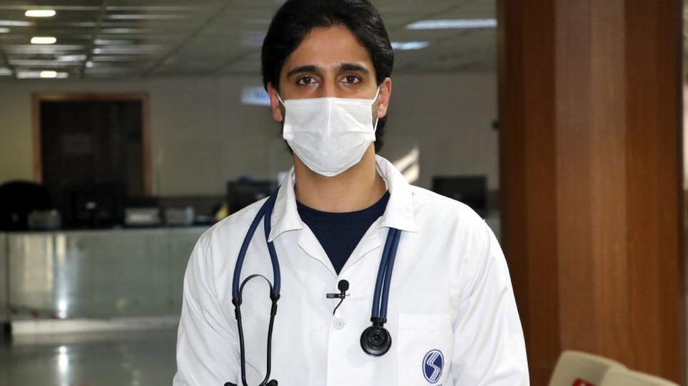 Tıp eğitimini tamamlayan Suriyeli mülteci Türkiye'de doktor oldu