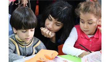 AB Büyükelçisi Christian Berger ve Tuba Büyüküstün mülteci okulunda