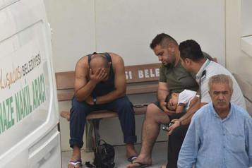 Silah zoruyla ölüme: Kuşadası'nda mülteci botu battı, yedisi çocuk dokuz kişi öldü