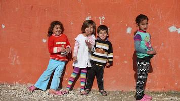 Suriyeli çocuklar okul kapılarında kaldı