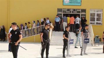 Urfa'da bir okulda velilerle Suriyeli mülteciler arasında tehlikeli gerilim