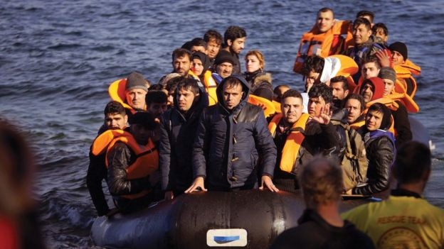 Refugees try to cross from Turkey to Greece in ill-equipped, badly prepared boats
