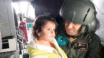 Karadeniz'deki faciada denizde 5 saat kalan 4 yaşındaki mülteci kız çocuğu son anda kurtarıldı