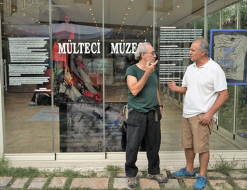 """""""Mülteci Müzesi"""" adlı enstalasyon sergisi Kuşadası'nda 9 Ağustosa kadar ziyarete açık"""