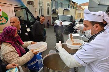 İzmirli belediyelerin mültecilere hizmeti yetersiz bulundu