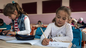EU money can't push Syrian schoolkids over Turkey's language barrier