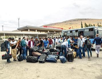 Syrian refugees in Turkey start heading home