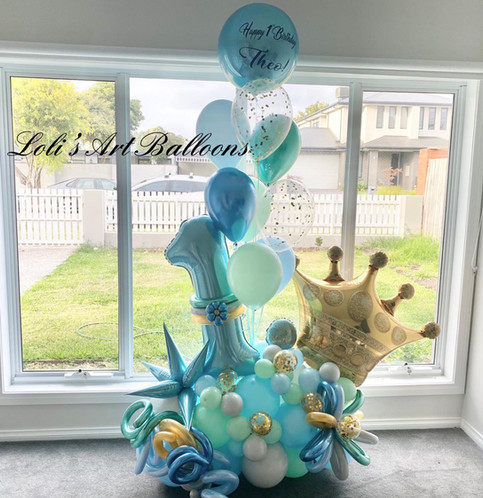 Personalized grand balloon bouquet