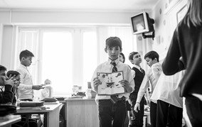 stylish graduation album in Florence, reportage in Italy school,  atmospheric photography