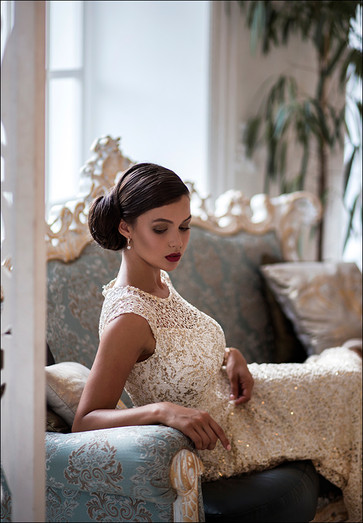 stylist, makeup artist, hairstyle in Italy, preparation bride and guests on wedding in Florence