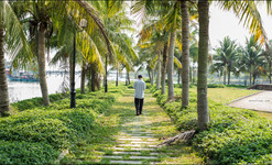 photo story about people and real life in Hoi An, Vietnam