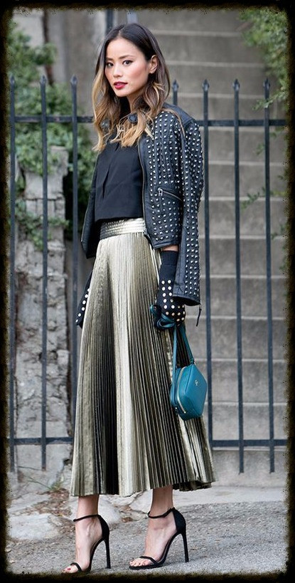 Spring HERO: gold pleated skirt