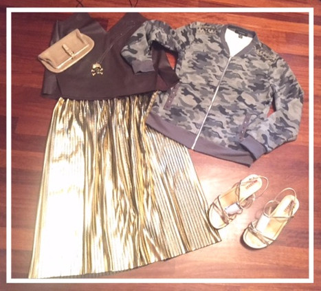 Pretty and sporty - pleated skirt with bomber