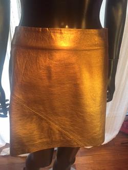 1b. Skirt