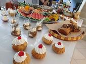 מגוון קינוחי כוסות, פירות ומאפי בריוש מפנקיםארוחת שף - אסף -